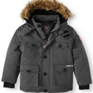 NWT Avalanche Water Resistant parka!!